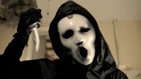Ghostface repaginada: nova versão da máscara mais sombria e evoluída, segundo os showrunners