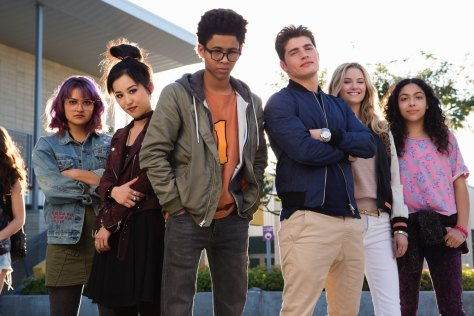 marvels-runaways-cast